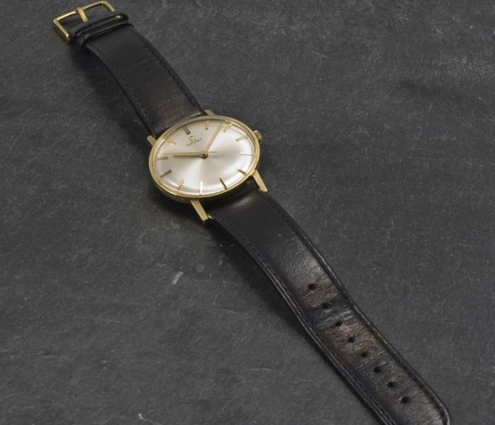 Omega Centre Second 14K Gold-002