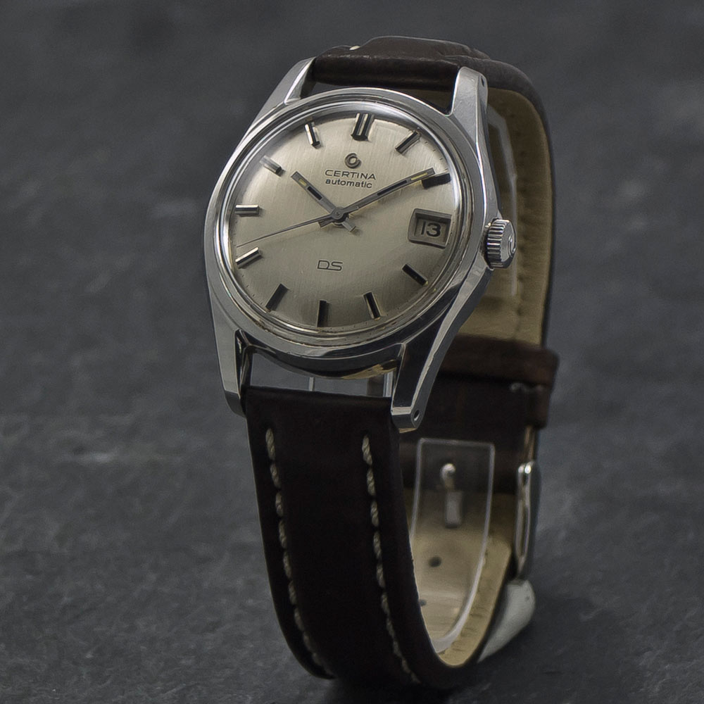 Certina-DS-turtleback-date-X-010