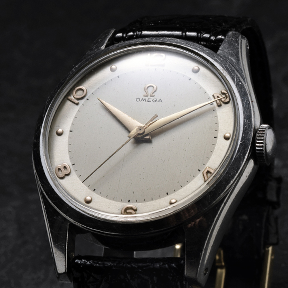 Omega centre second two tone dial